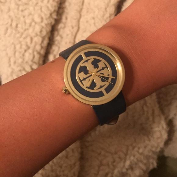 c7caf195d Tory Burch Reva Watch! M_5b77d2a62830953617c12407
